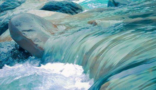 「嫌なことは水に流す」ネガティブなエネルギーを水の感触を使って浄化する方法